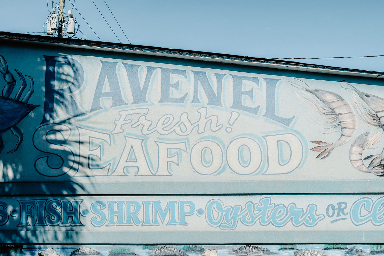 The blue sign of Ravenel.