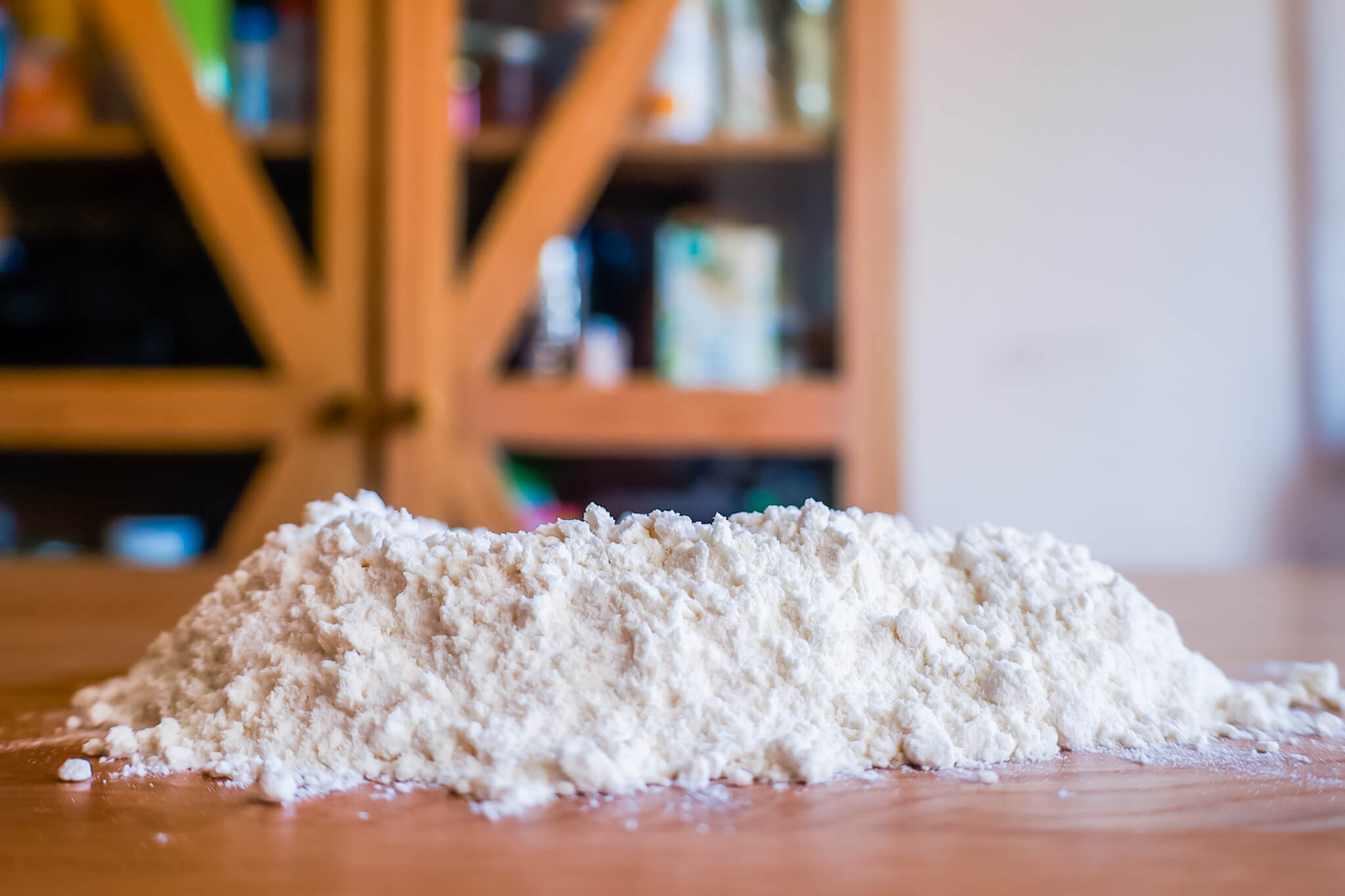 A pile of flour resting on a table.