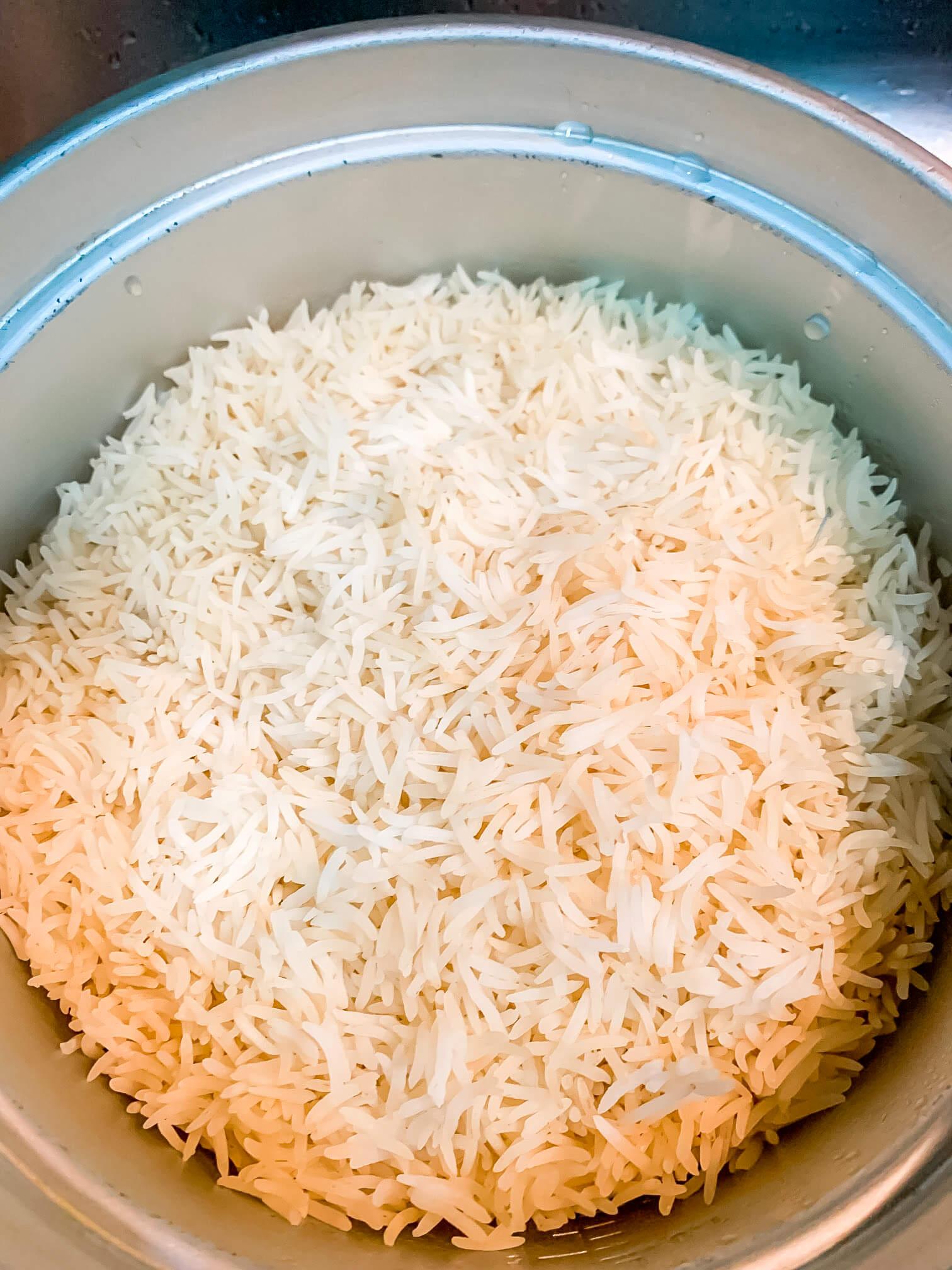 A large pot of plain white rice.